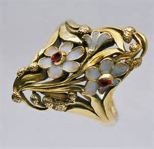 Art Nouveau gold and enamel ring