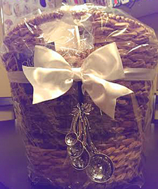 Gift basket with Ganz Dragonfly Measuring Spoons