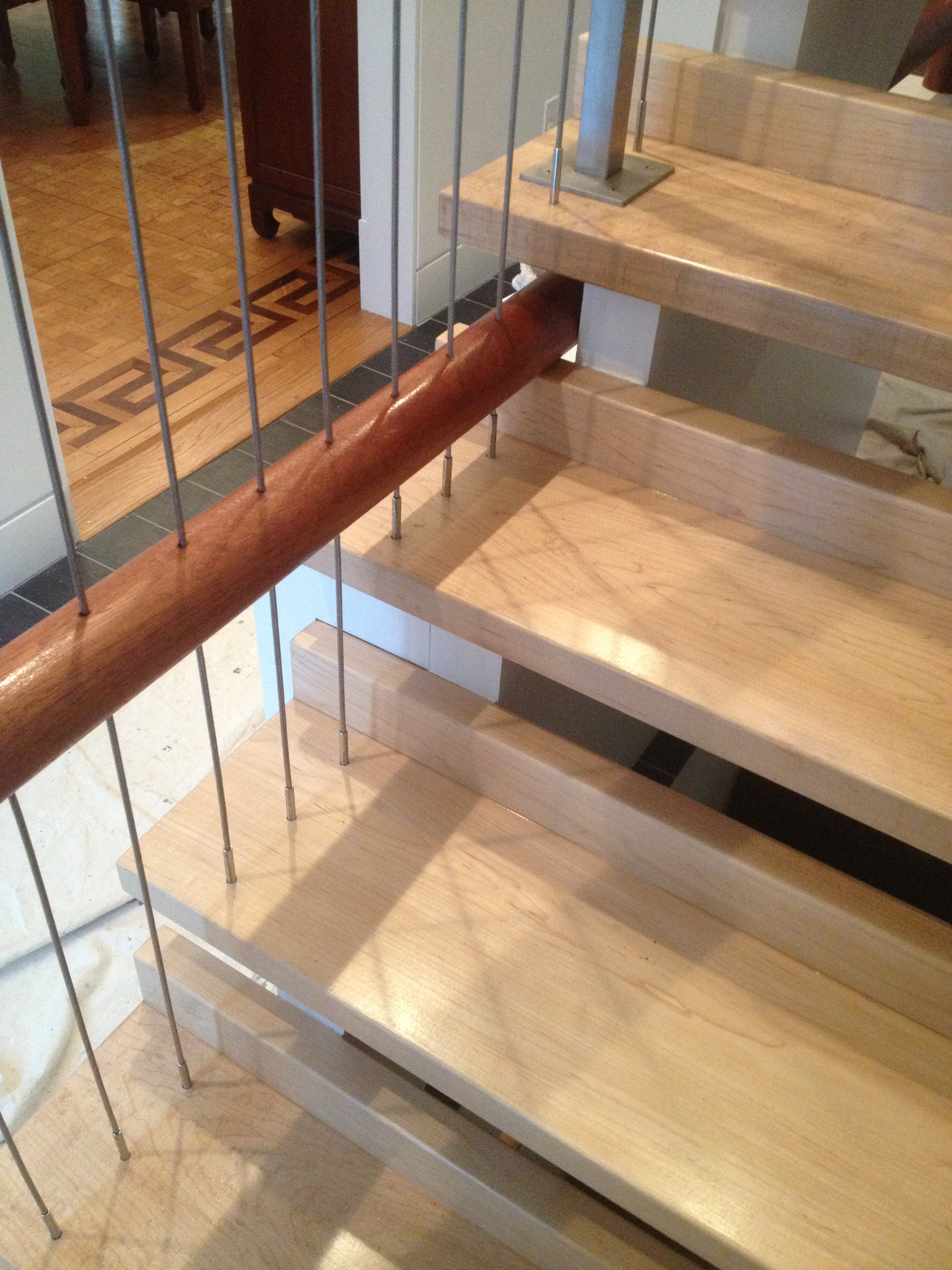 Creative Stair Railing With Vertical Cables