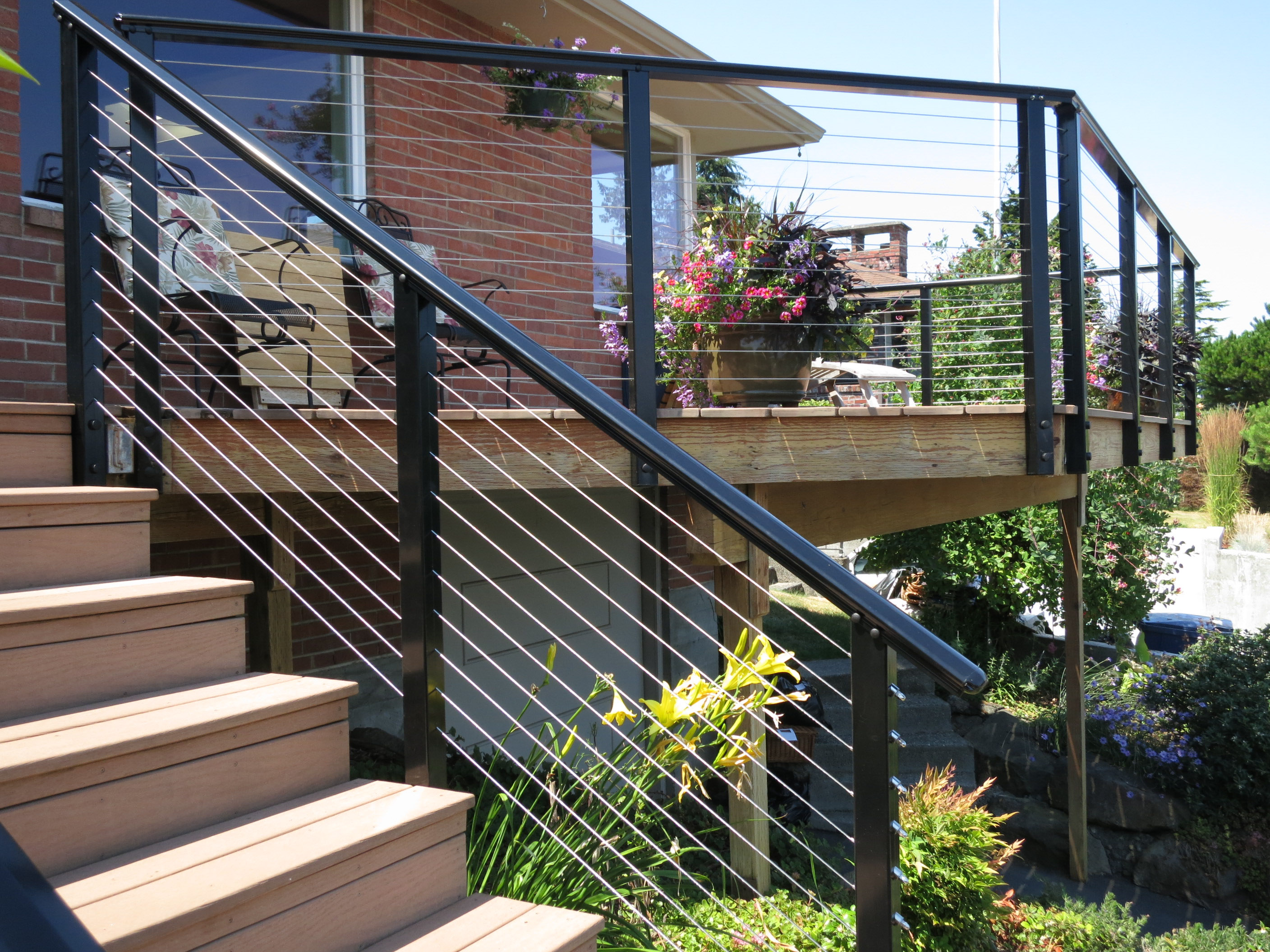 black aluminum deck cable railing idea