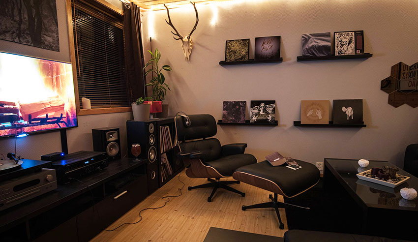 Eames Lounge Chair in Small NYC Apartments and Other Small Spaces