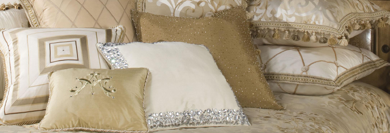 Luxury Bedding Collections, Luxury Bedding Sets from Michael Amini, HiEnd Accents, HomeMax Imports and Chelsea Frank