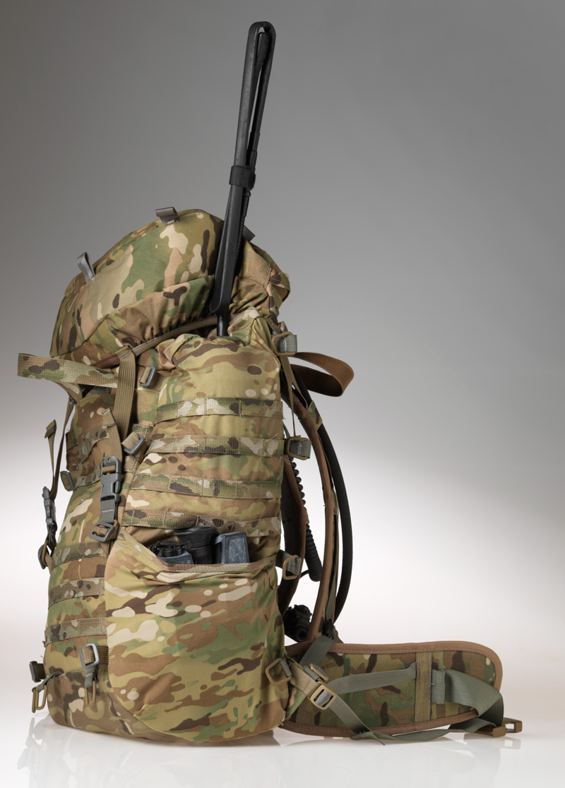 34L Comms Pack has proper sized side pockets: a nalegene, 5 pmags or a thing like this.