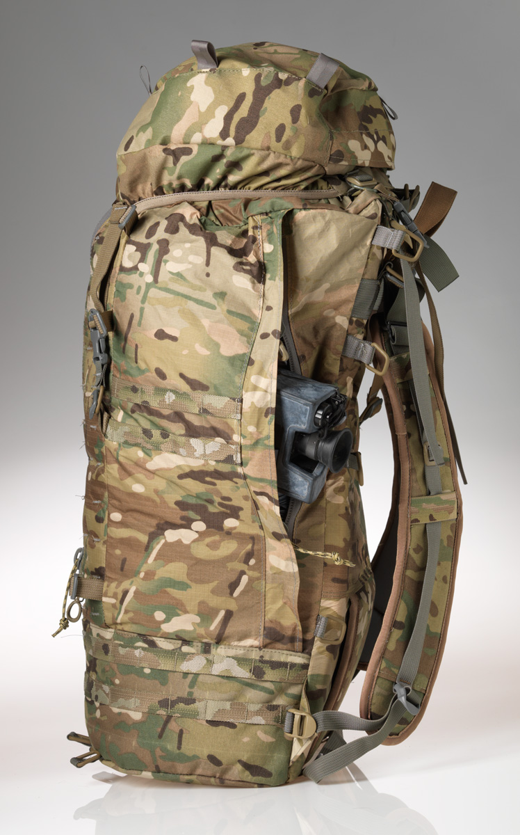 40L Sniper Pack has a burly side zip to let the muzzle out on either side.
